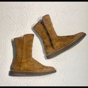 Ugg Boots Short, Tan, Includes Care Kit